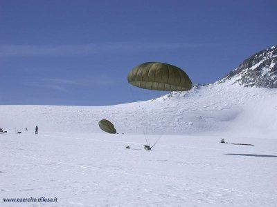 """4° Rgt. alpini paracadutisti """"Monte Cervino"""" in esercitazione in Adamello"""